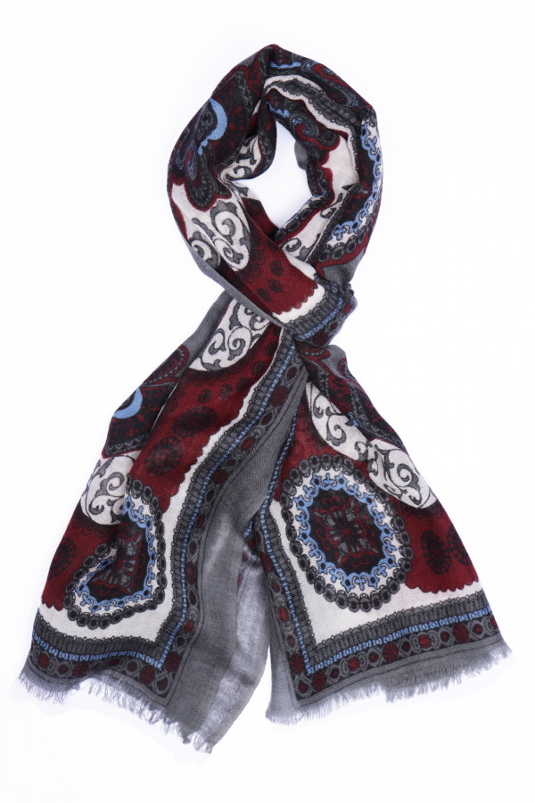 Wool scarf with oriental...